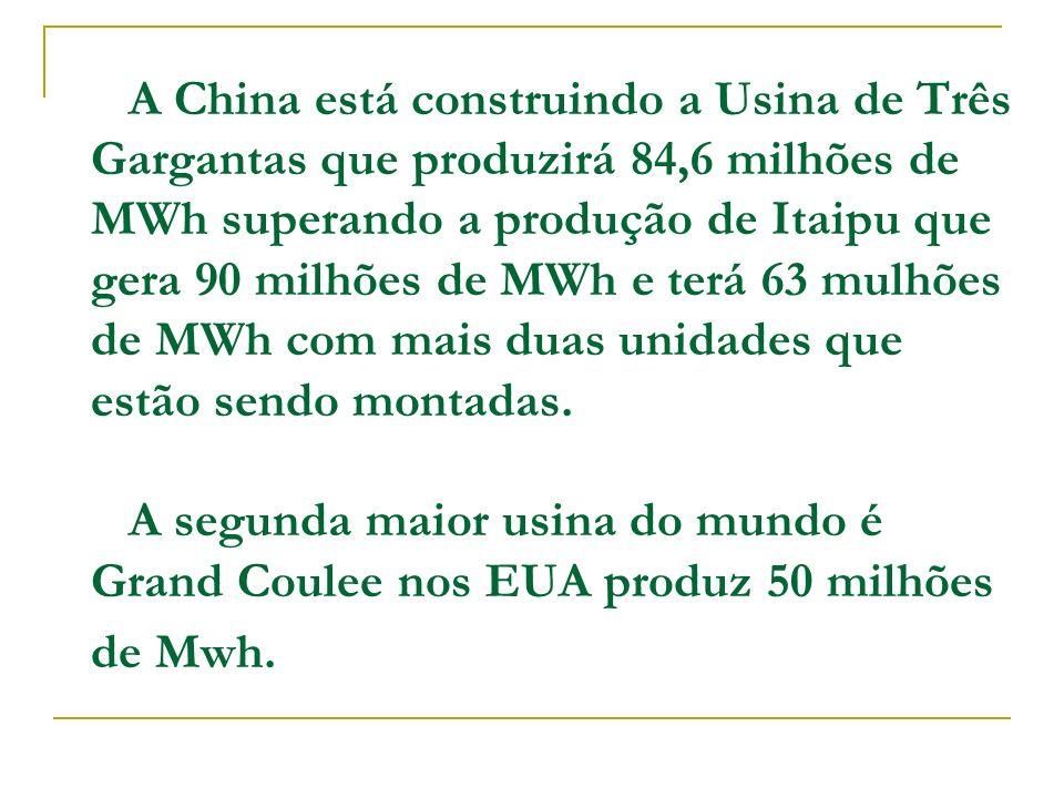 Além de usinas para produção de eletricidade, reatores nucleares podem ser instalados em navios, submarinos e satélites.