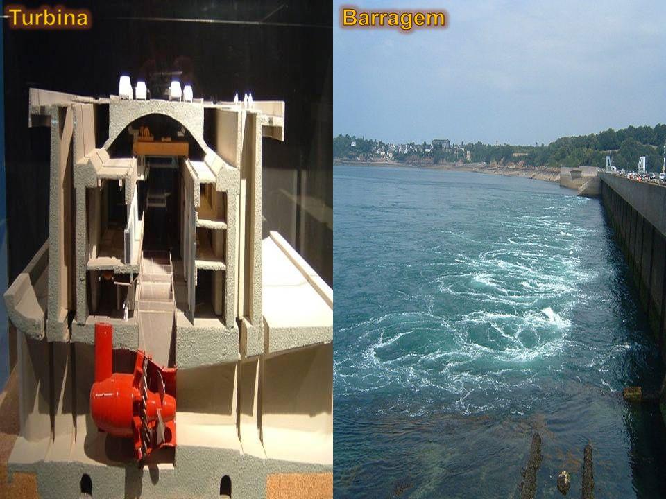 É um modo de geração de eletricidade através da utilização da energia contida no movimento de massas d'água devido às marés. energia cinética das corr