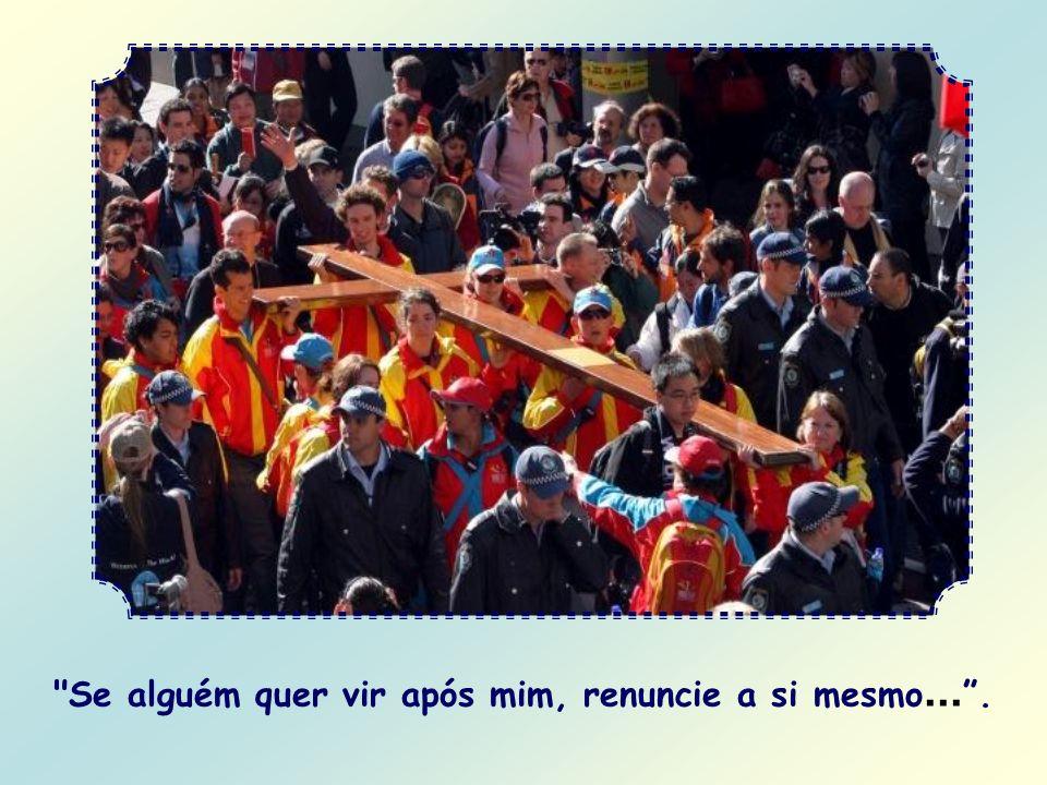 E onde se deve pisar? Nas pegadas que o próprio Cristo deixou quando esteve nesta terra: elas são as suas palavras. Hoje ele repete a você: