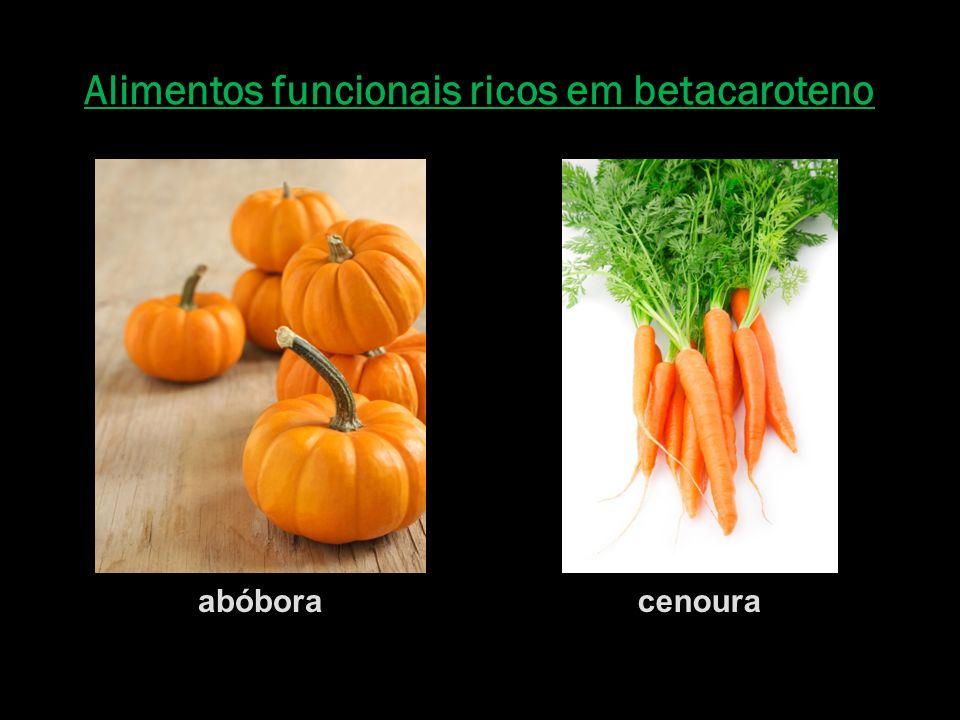 Alimentos funcionais ricos em betacaroteno abóboracenoura