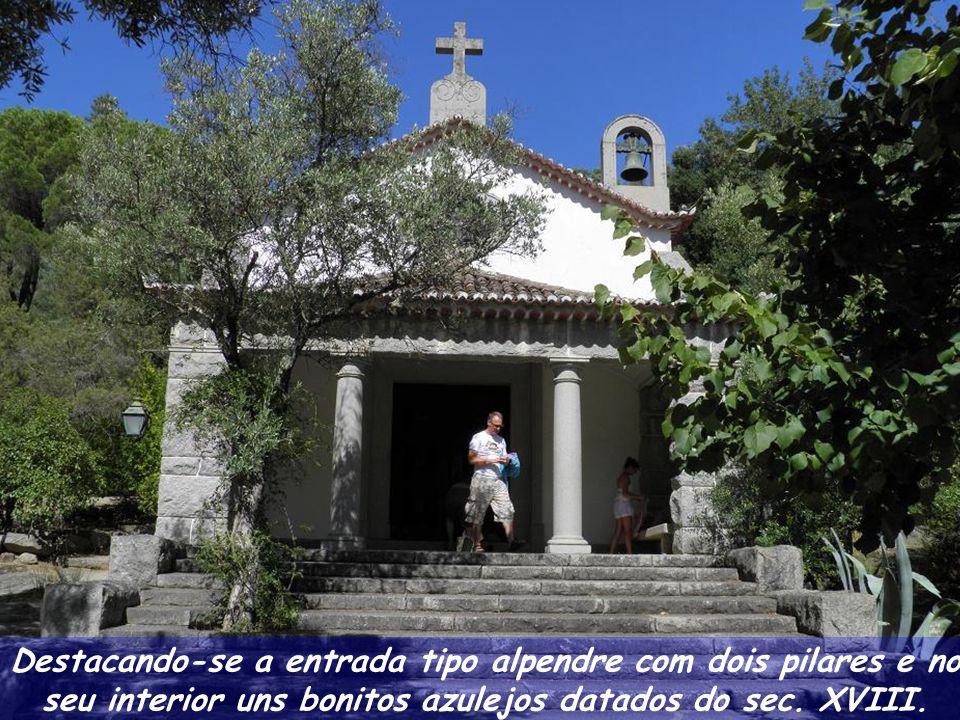 Em 1940 foi construída a Capela de Santa Teresa