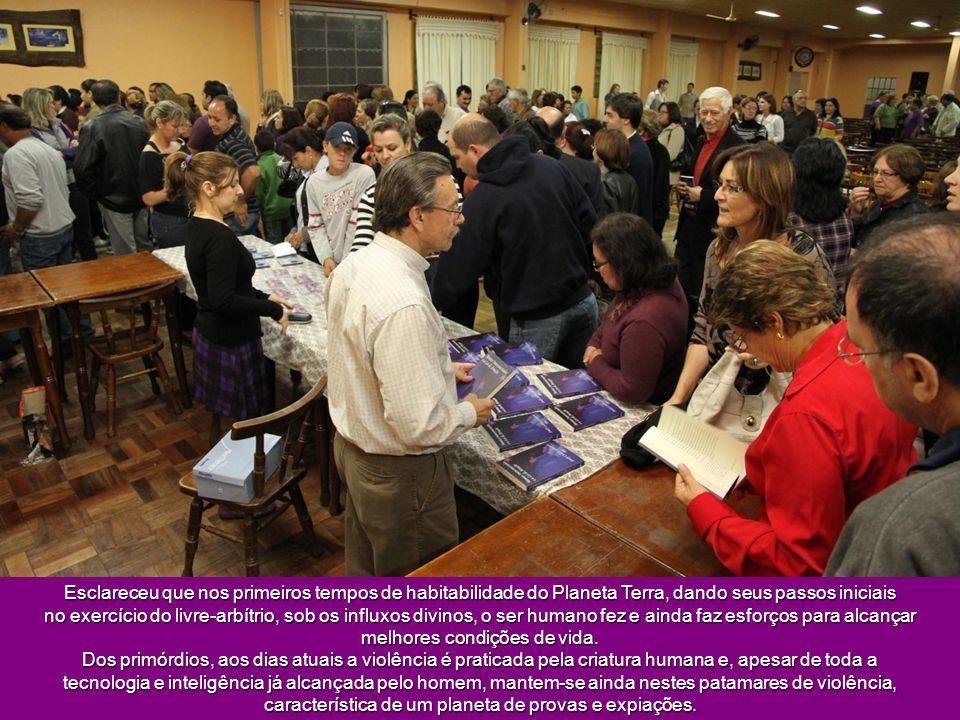 Na noite do dia 09 de novembro No Centro de Tradições Gaúchas Cristóvão Pereira de Almeida, Sueli Schubert apresentou o tema Mecanismos da Justiça Div
