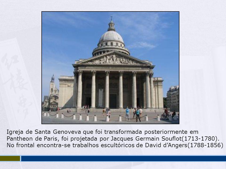 Igreja de Santa Genoveva que foi transformada posteriormente em Pantheon de Paris, foi projetada por Jacques Germain Souflot(1713-1780). No frontal en