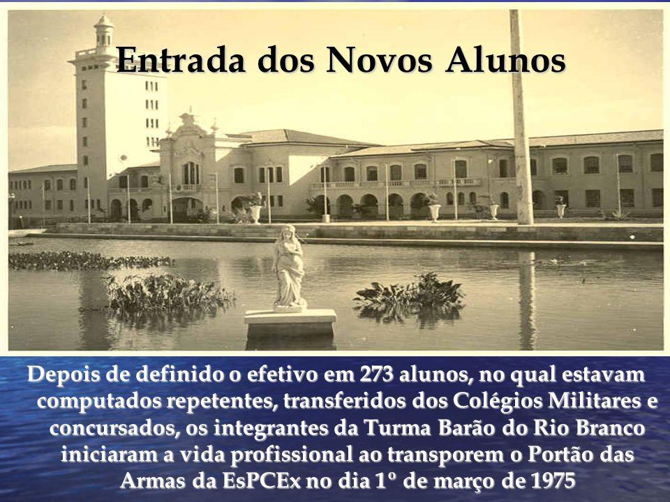 35º Aniversário da EsPCEx -17 de setembro de 1975- Há apenas 16 anos em Campinas, o prédio da Escola estava concluído.