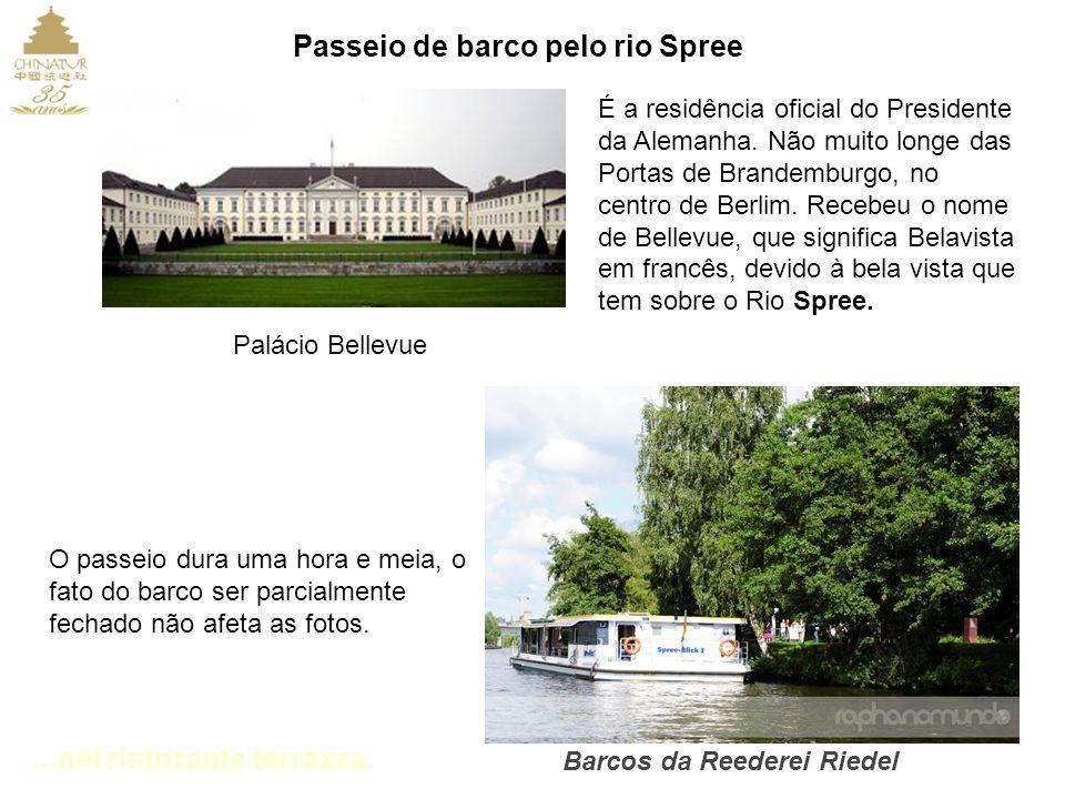 ...nel ristorante terrazza.Palácio Bellevue É a residência oficial do Presidente da Alemanha.