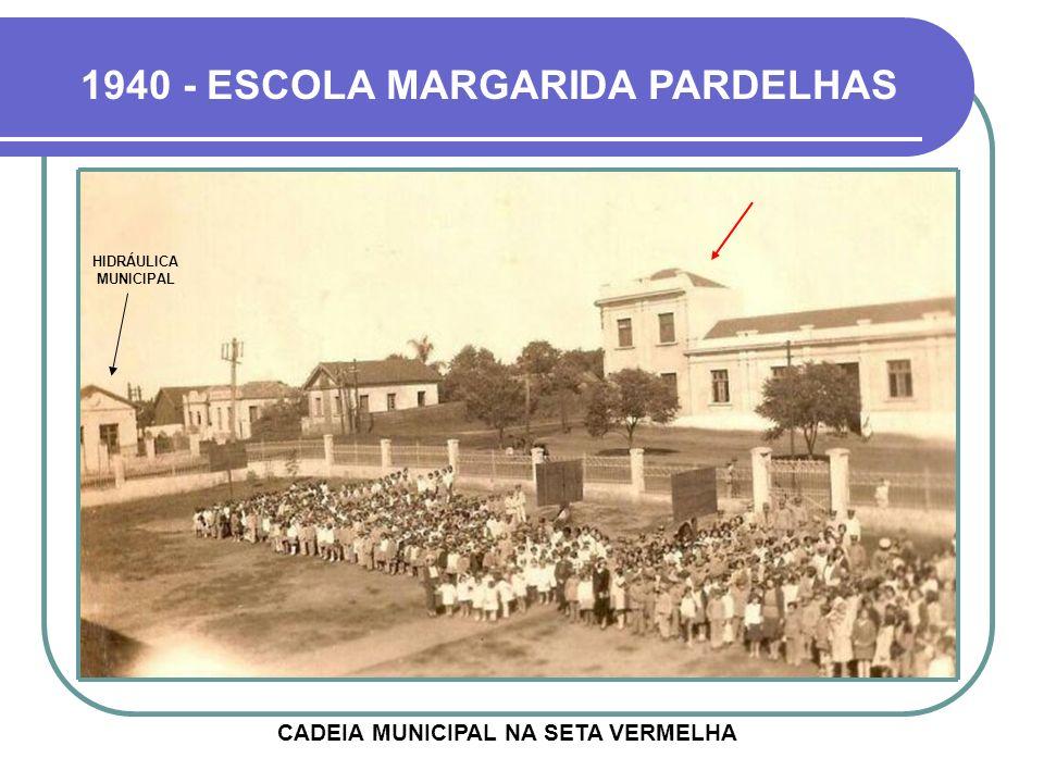 HOJE A ESCOLA FOI CONSTRUÍDA NA ATÉ ENTÃO PRAÇA JÚLIO DE CASTILHOS