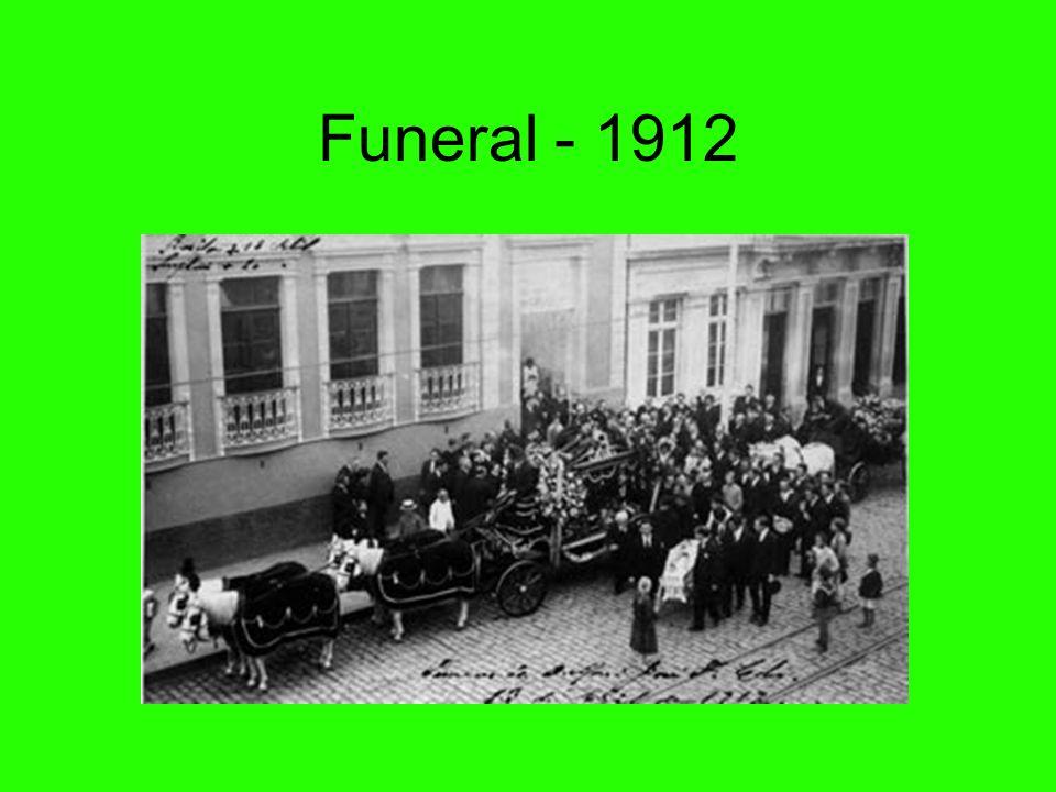 Santa Casa - 1910 A Santa Casa de Misericórdia de Curitiba foi instituída em 1852. Iniciou suas atividades na atual Rua Treze de Maio. O Hospital de C