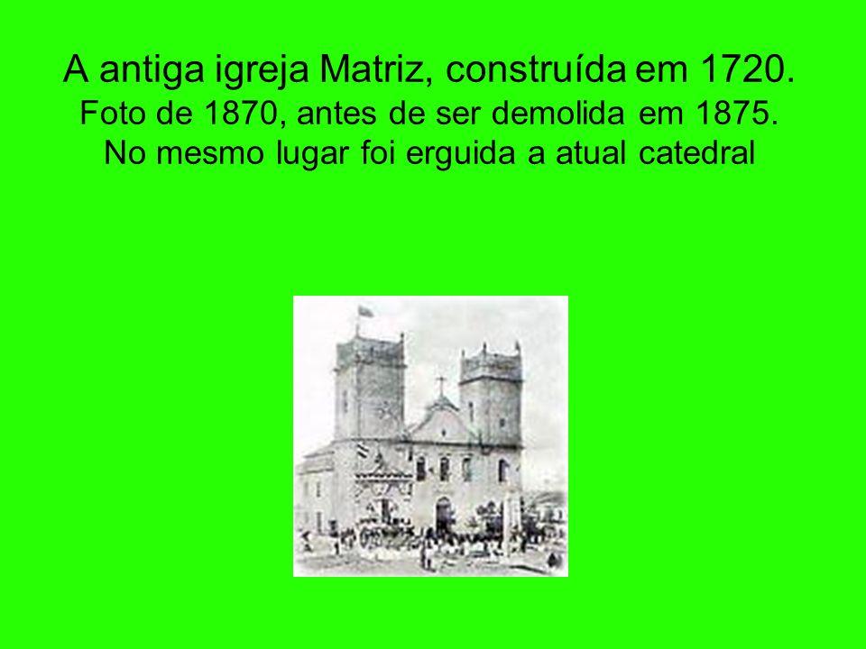 Bandeira e Brasão de Curitiba Lei municipal nº 2.993, de 11 de maio de 1967