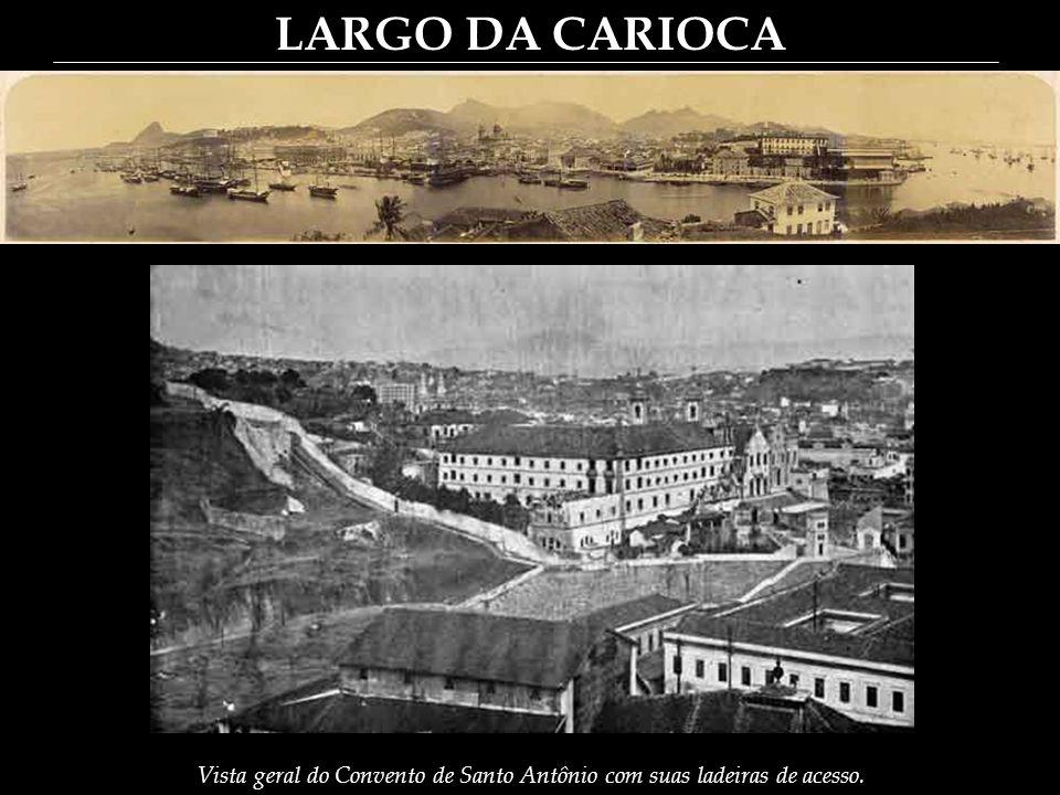 LARGO DA CARIOCA O Chafariz – continua o Professor (Guia) – está do lado Sul, e voltado para o Norte, apoiando a esquerda no Hospital.