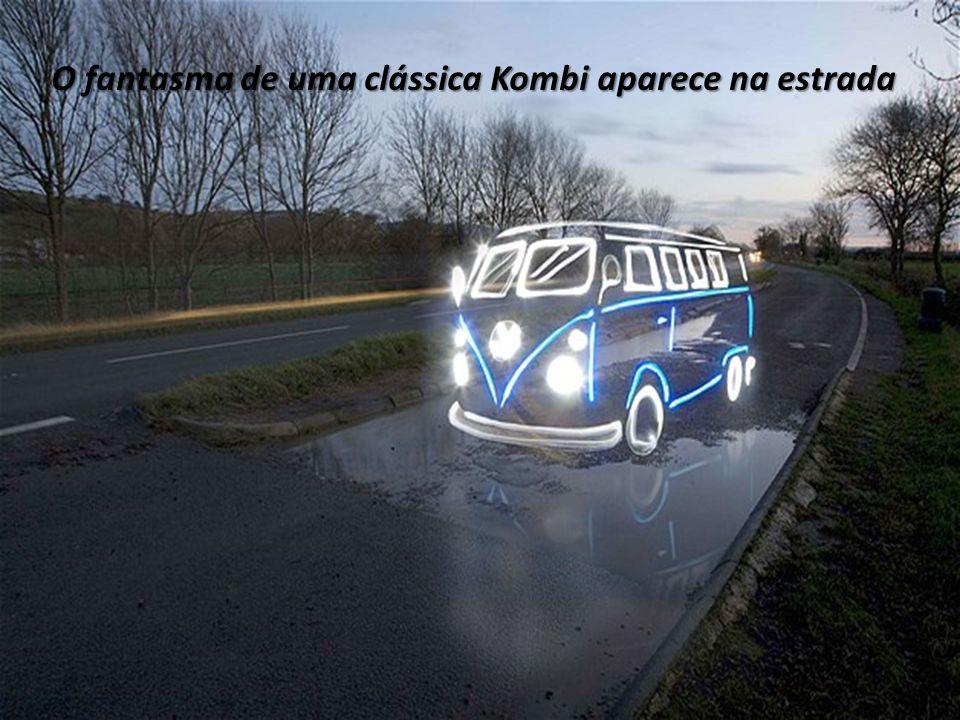 O fantasma de uma clássica Kombi aparece na estrada