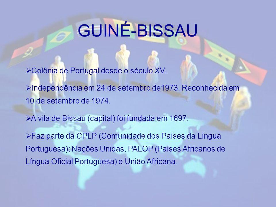 Principais línguas faladas: Guineense (44,3%) Balanta (24,5%) Fula (20,3%) Português (11,1%) 111 000 locutores.