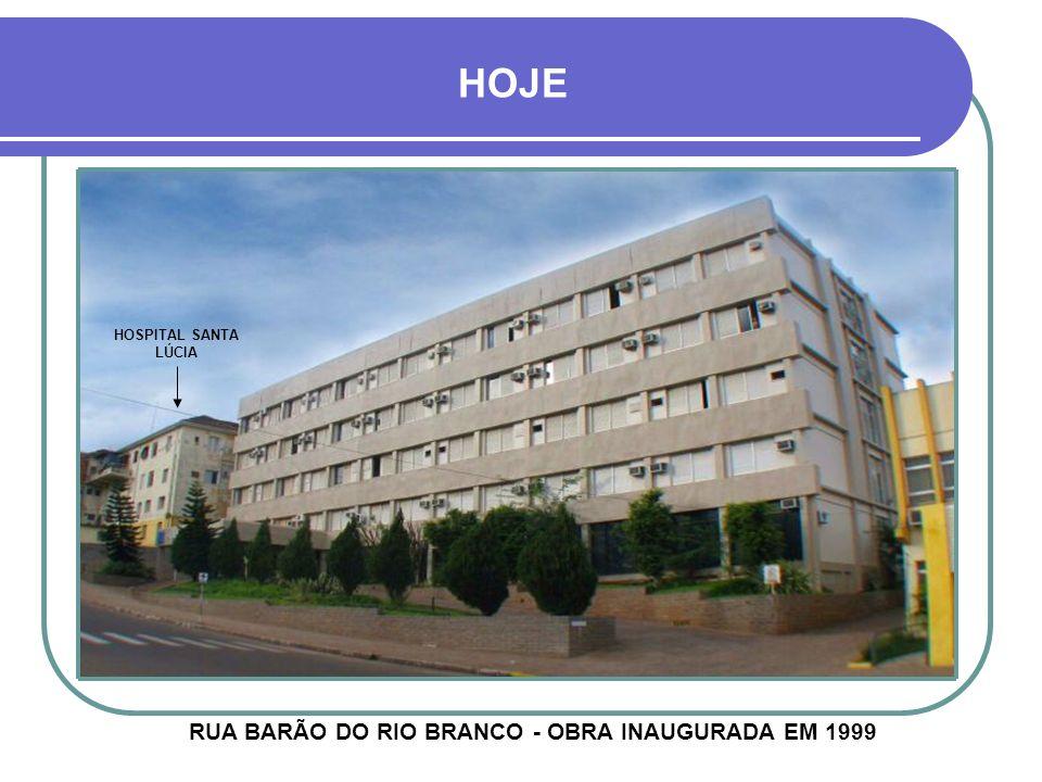 HOSPITAL SANTA LÚCIA POLICLÍNICA DO HSL NA DÉCADA DE 1990 O HSL AMPLIOU-SE, JUNTAMENTE COM A CONSTRUÇÃO DE UMA GRANDE CLÍNICA MÉDICA TERRENO EM INÍCIO