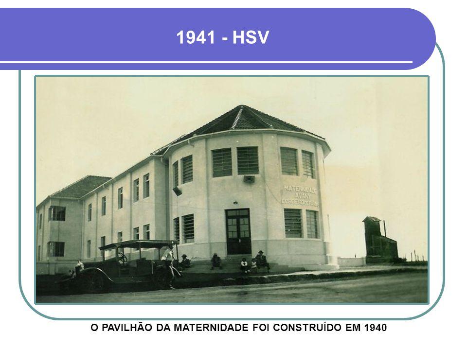 1941 - GRUPO DE ENFERMEIRAS ABAIXO, UMA TENDA DE OXIGÊNIO, CONSIDERADA UMA MODERNIDADE NA ÉPOCA