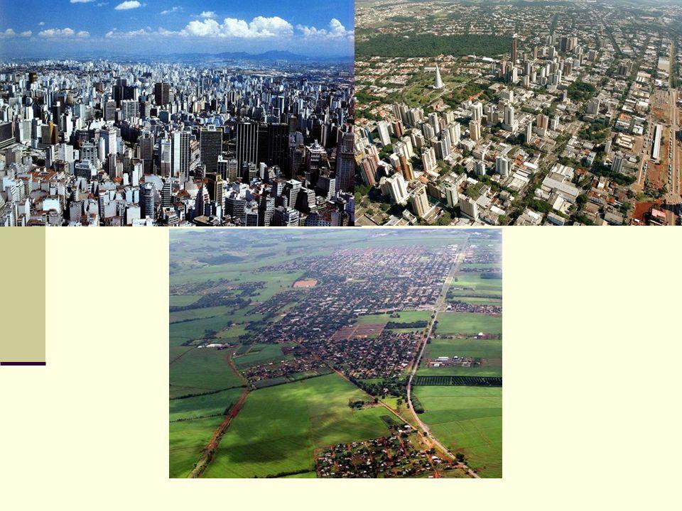 Urbanização brasileira Entre as décadas de 1950 e 1960 o perfil populacional brasileiro começa a mudar.