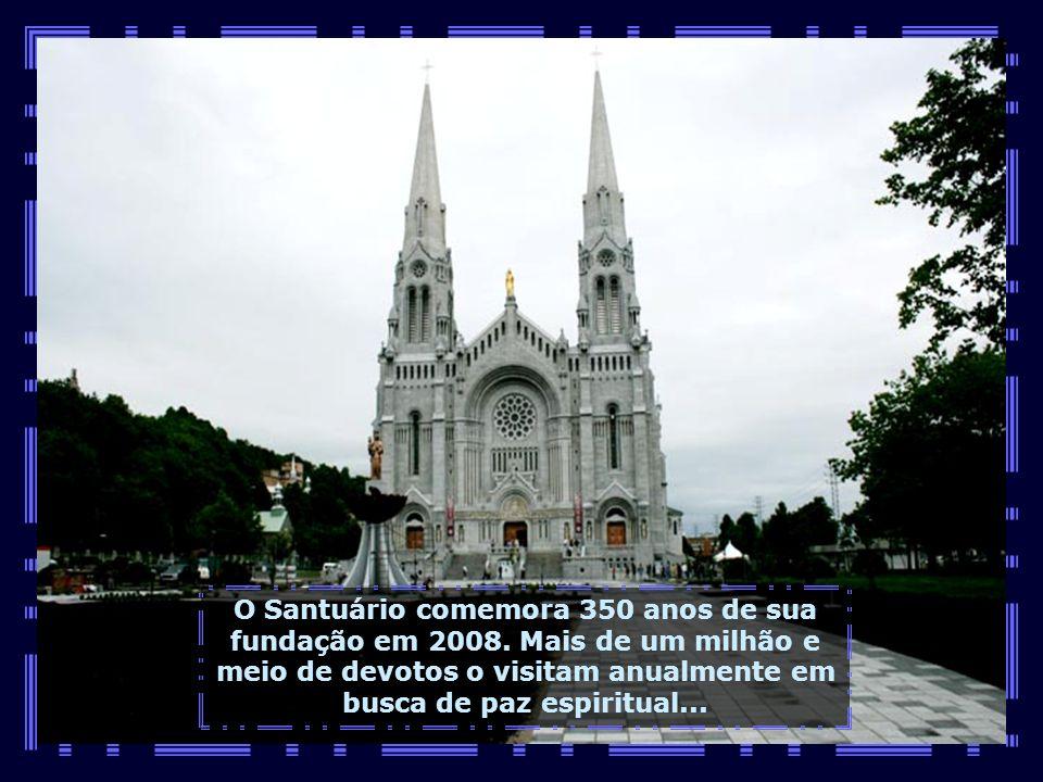 Próximo do Canyon, vamos conhecer a Basílica de Sainte-Anne de Beaupré, o mais antigo Santuário da América do Norte...