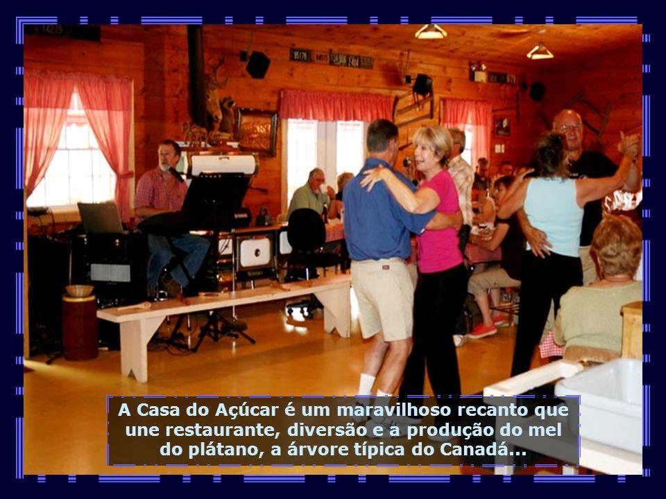 Agora é a vez de conhecermos a Casa do Açúcar, em Três Rios, próximo de Quebec, no acesso para Montreal...