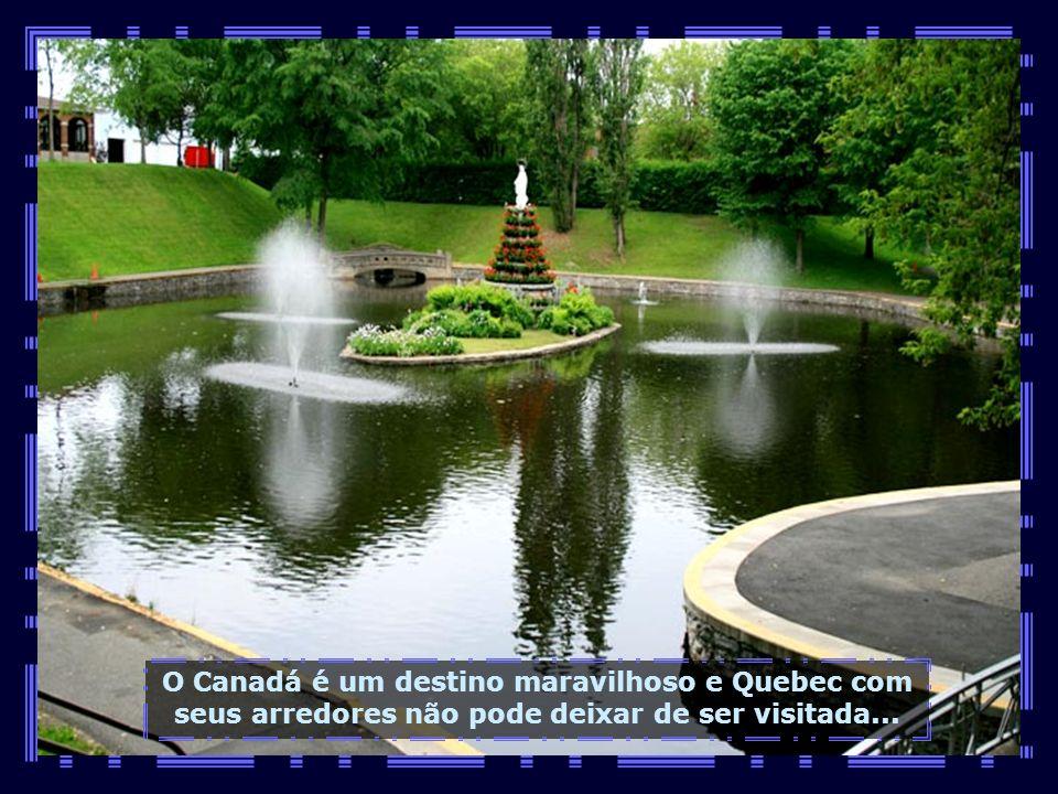 Belos jardins situam-se ao redor do Santuário, com trilhas à sombra de muitas árvores. Um lugar de paz sem igual...