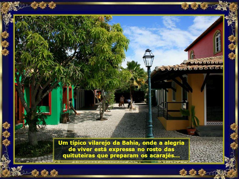 Portal de Vila Nova da Praia, localizada dentro do complexo, serve como ponto comercial e de entretenimento aos hóspedes...