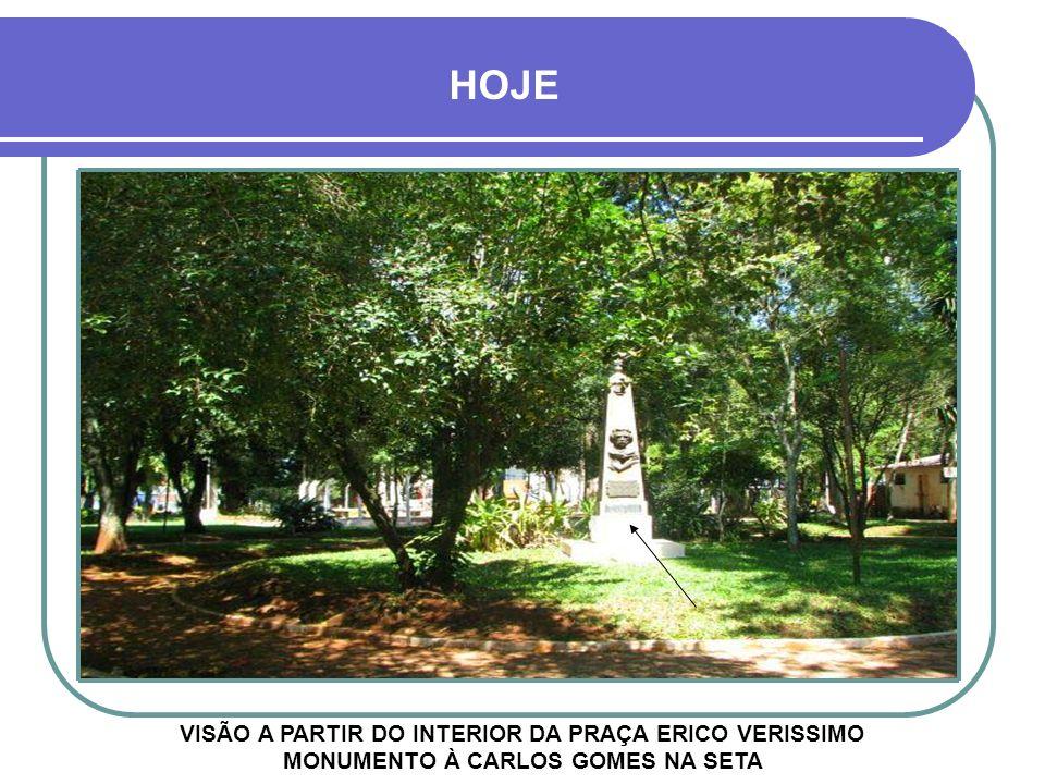 DÉCADA DE 1940 Os sinos da Igreja foram trazidos através de carretas das ruínas de São Miguel das Missões, onde foram fundidos.