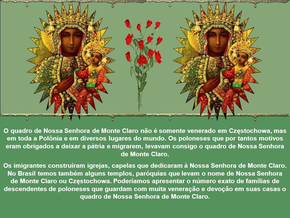 A imagem de Nossa Senhora de Częstochowa, contada nos poemas, bordada nas bandeiras das tropas polonesas, gravada nos medalhões dos hússaros, a partir do século XVII, estava também coberta pelos mantos de grande valor.