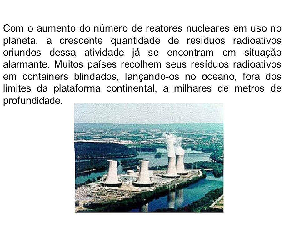 Com o aumento do número de reatores nucleares em uso no planeta, a crescente quantidade de resíduos radioativos oriundos dessa atividade já se encontr
