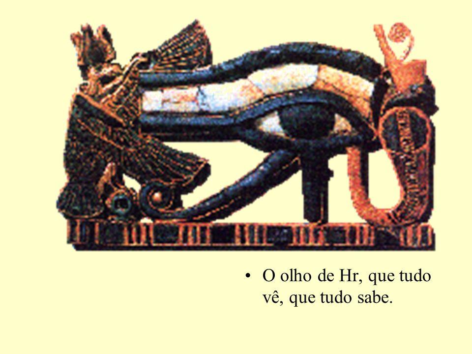 O Livro Egípcio dos Mortos Na realidade o Livro de Sair à Luz; Esse livro é uma compilação, de escritos das pirâmides do Antigo Império, e mesmo de memórias muito antes disso, compiladas no Novo Império; O que diz o livro.