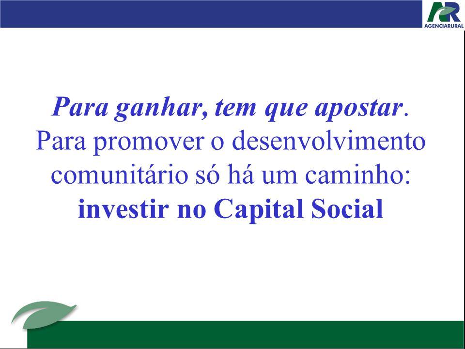 9º mito – Desenvolvimento social é coisa de pobre Os que pensam assim confundem investimento social, ou seja, capital social, com assistência social confundem estratégia de promoção do desenvolvimento social com programas de proteção social.