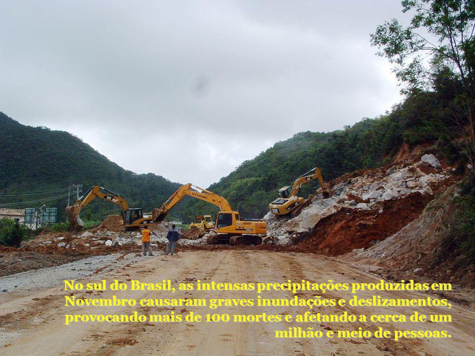 No sul do Brasil, as intensas precipitações produzidas em Novembro causaram graves inundações e deslizamentos, provocando mais de 100 mortes e afetand