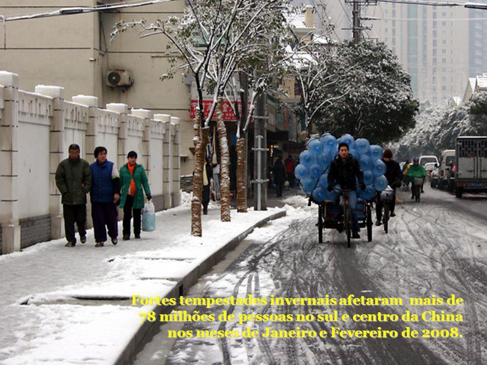 Fortes tempestades invernais afetaram mais de 78 milhões de pessoas no sul e centro da China nos meses de Janeiro e Fevereiro de 2008.