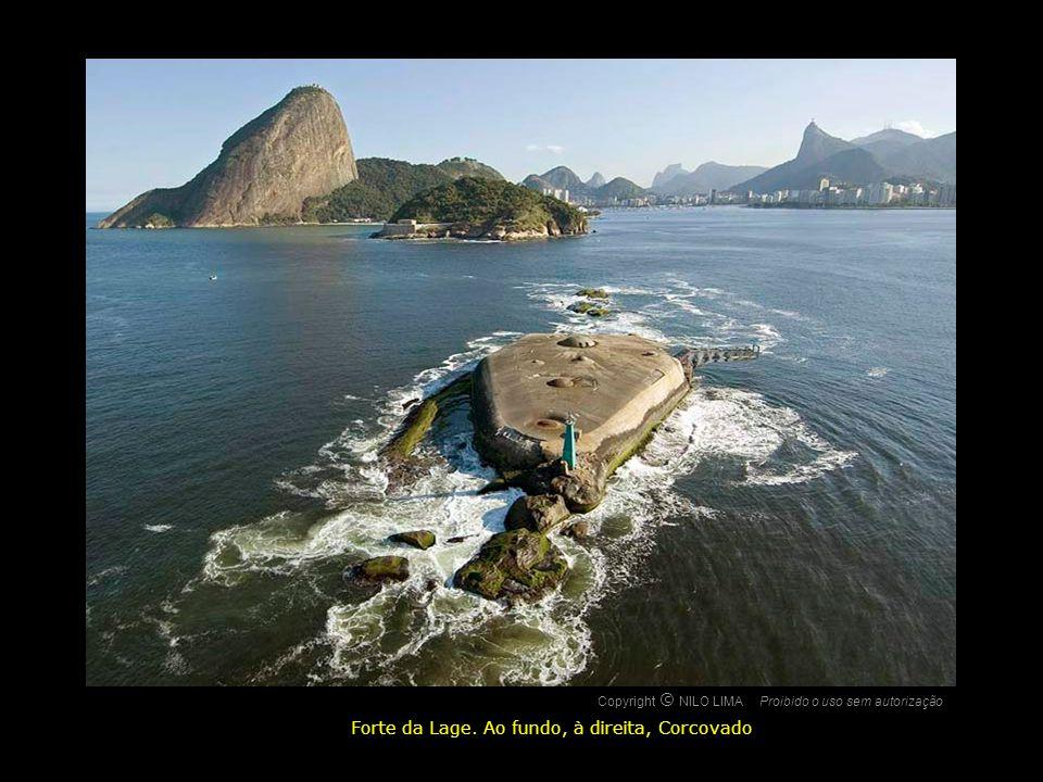 Copyright NILO LIMAProibido o uso sem autorização c O Caminho do Corcovado, à esquerda e Cristo Redentor, à direita