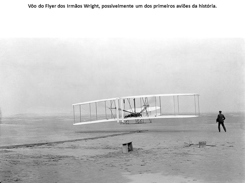 Irmãos Wright Orville Wright Wilbur Wright Quanto à invenção de um aparelho mais pesado que o ar, há controvérsias sobre o verdadeiro inventor. Vários