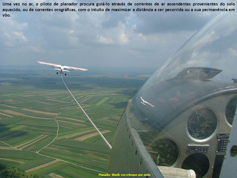 Planadores Decolagem de um Ventus por guincho Certos planadores possuem um motor que permite ao planador decolar e sustentar vôo, podendo tal motor se