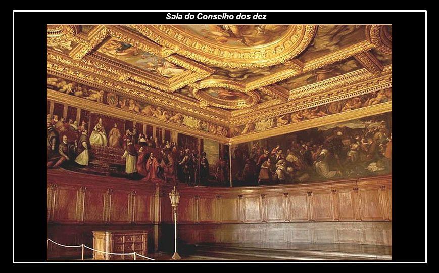 Se a glória da poderosa e orgulhosa República de Veneza já está perdida nos séculos passados, o Palácio dos doges ou duques de Veneza guarda, em seu i