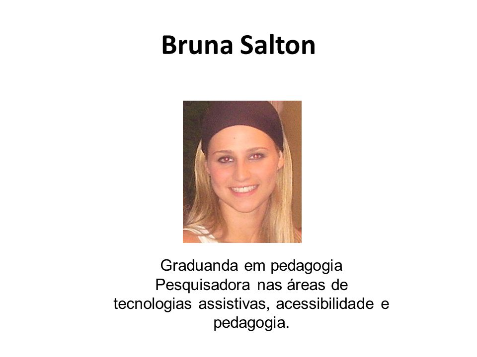 Kelly Pinho Intérprete de LIBRAS e monitora especial