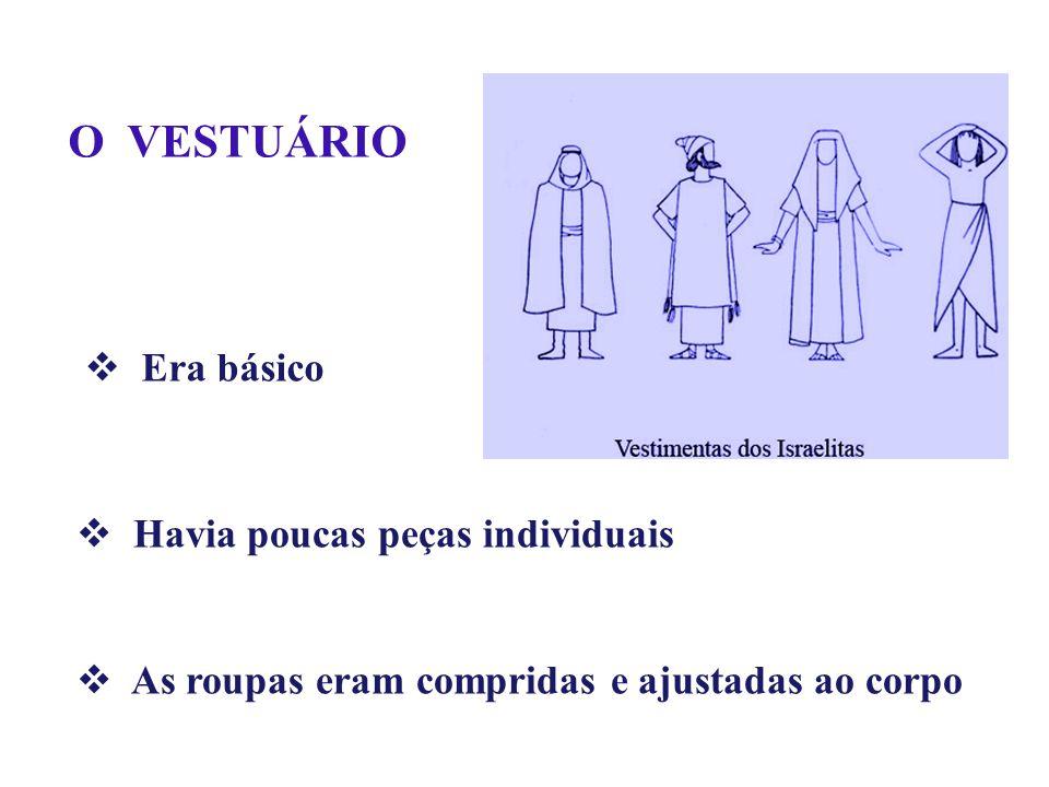 Havia poucas peças individuais As roupas eram compridas e ajustadas ao corpo O VESTUÁRIO Era básico