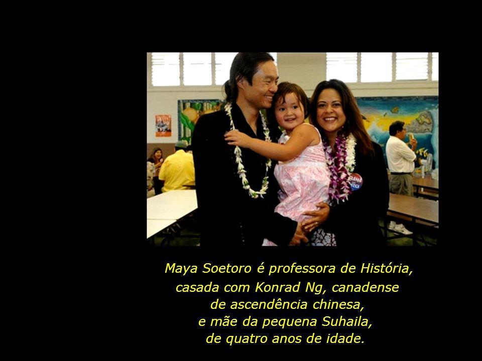 O casal Obama com as filhas, Malia Ann (de 10 anos) e Natasha (7 anos).