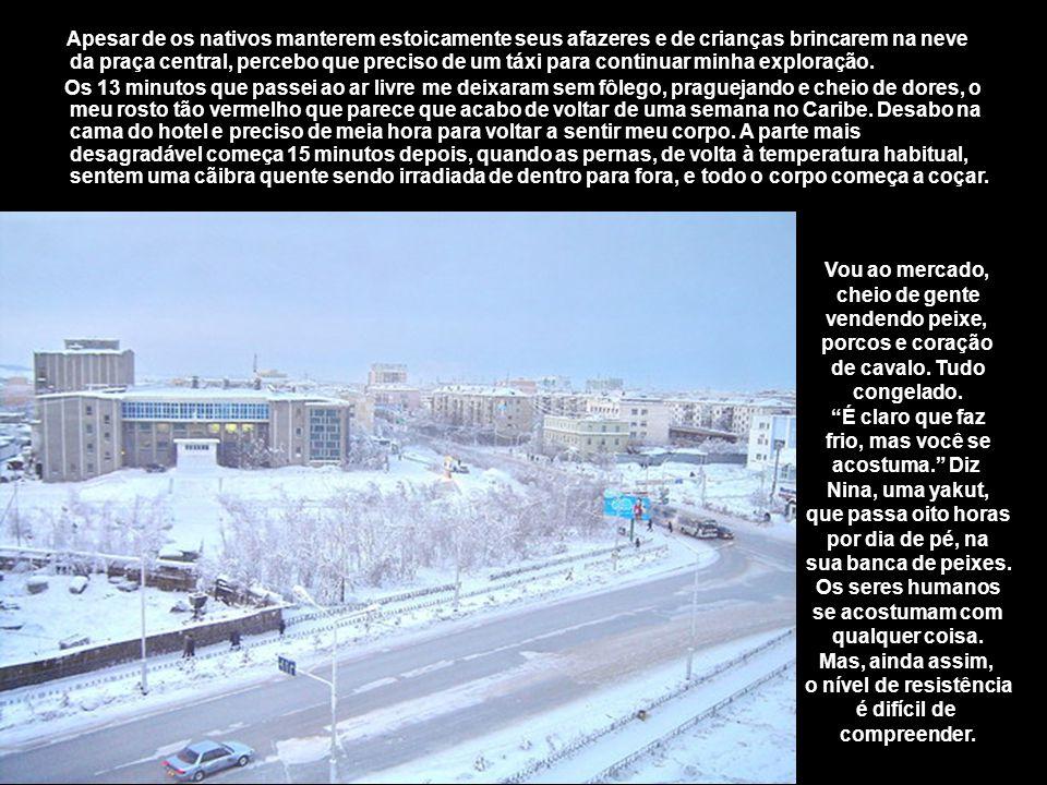 A região é rica em ouro e diamantes, razão pela qual os soviéticos decidiram transformar Yakutsk num importante centro regional, primeiro com o sistem