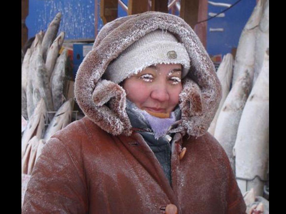 Yakutsk - a cidade mais fria do mundo A 5ºC negativos o frio pode ser refrescante. A 20ºC negativos a umidade no nariz se congela e fica difícil não t