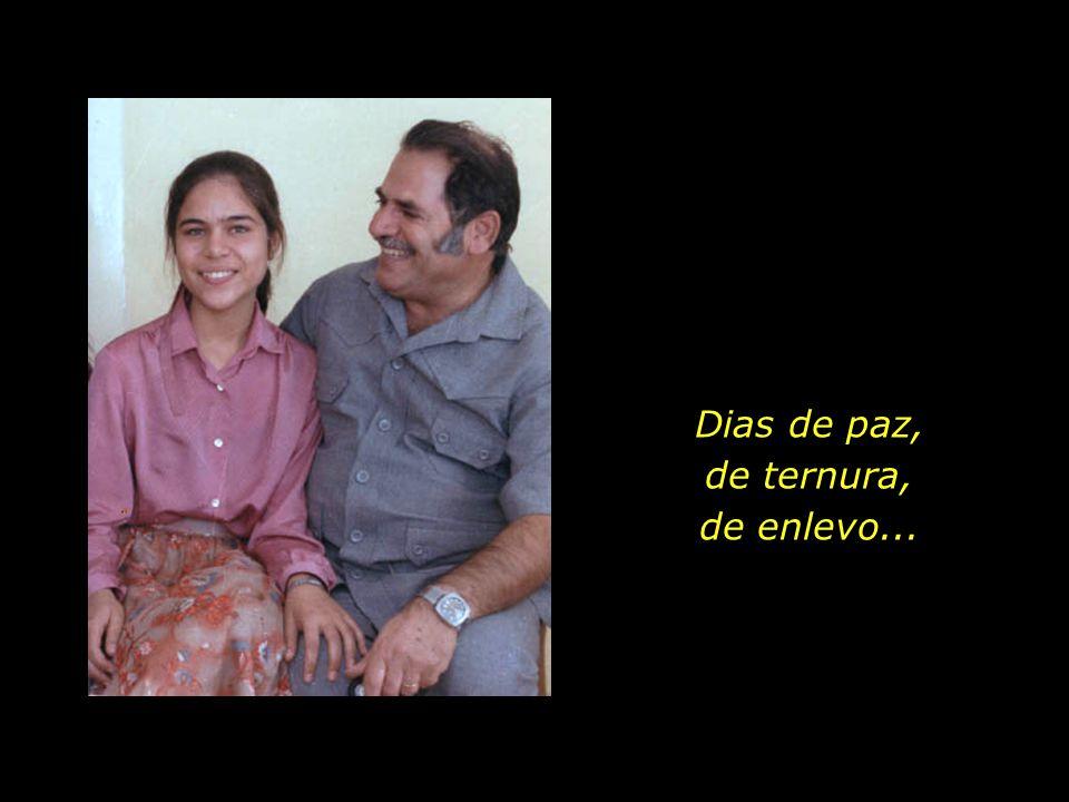 São dias de plena felicidade para a família, com o céu aberto do amor a cobrir-lhes de bênçãos...