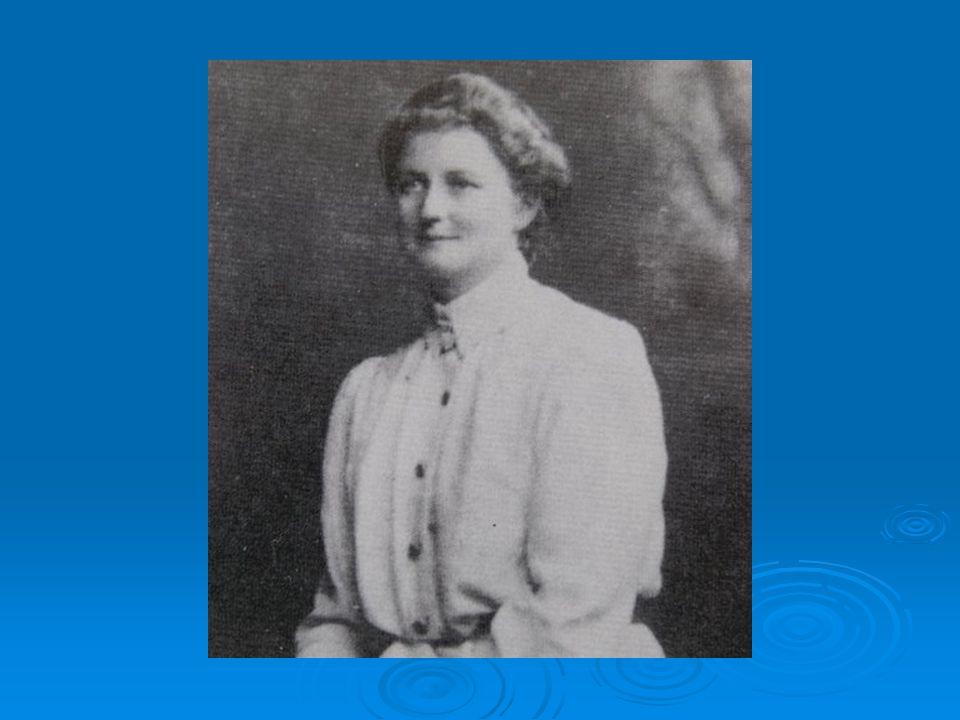 FRANÇA E SUÉCIA: FRANÇA E SUÉCIA: 1870- permitem que mulheres se matriculem no curso de Medicina Humana.