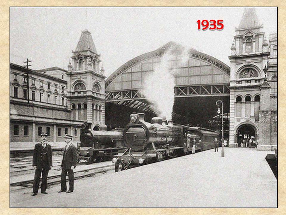 Em 1934, começaram a circular entre São Paulo e Santos, as composições Cometa (ao lado) e Planeta, as quais, por terem apenas três vagões, desciam a s