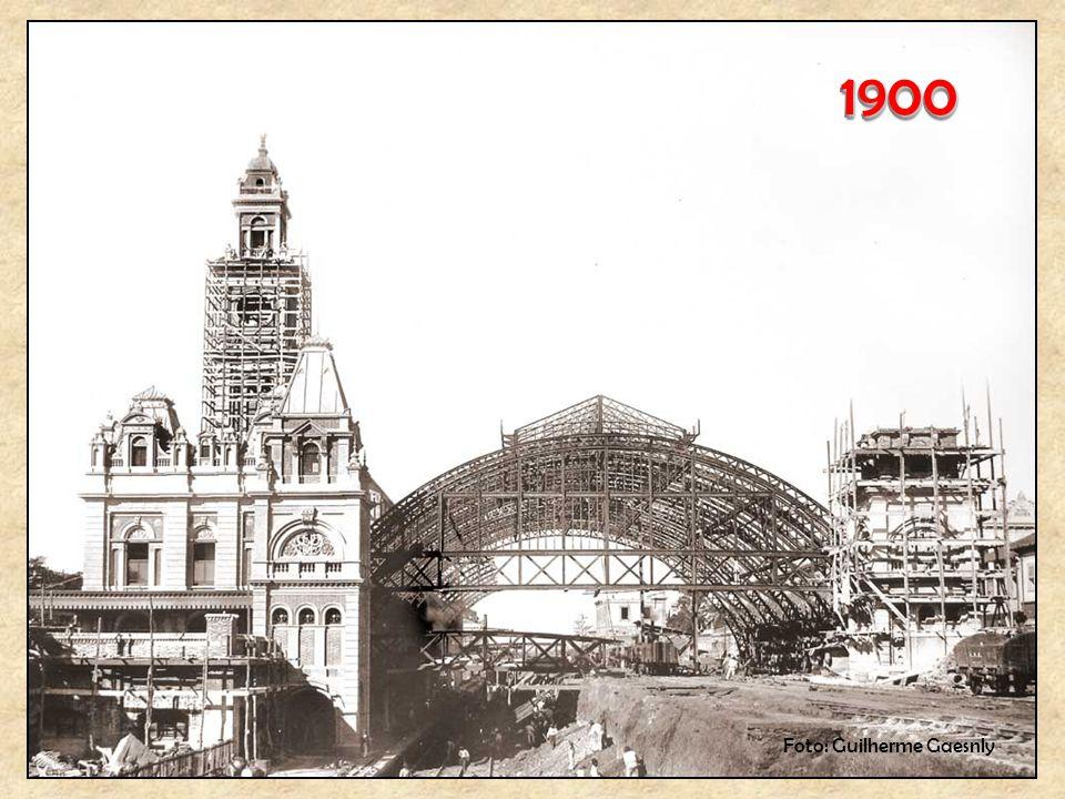 18801880 A segunda construção, bem maior, localizada na rua Mauá. (Quadro de Benedicto Calixto – Museu Paulista)