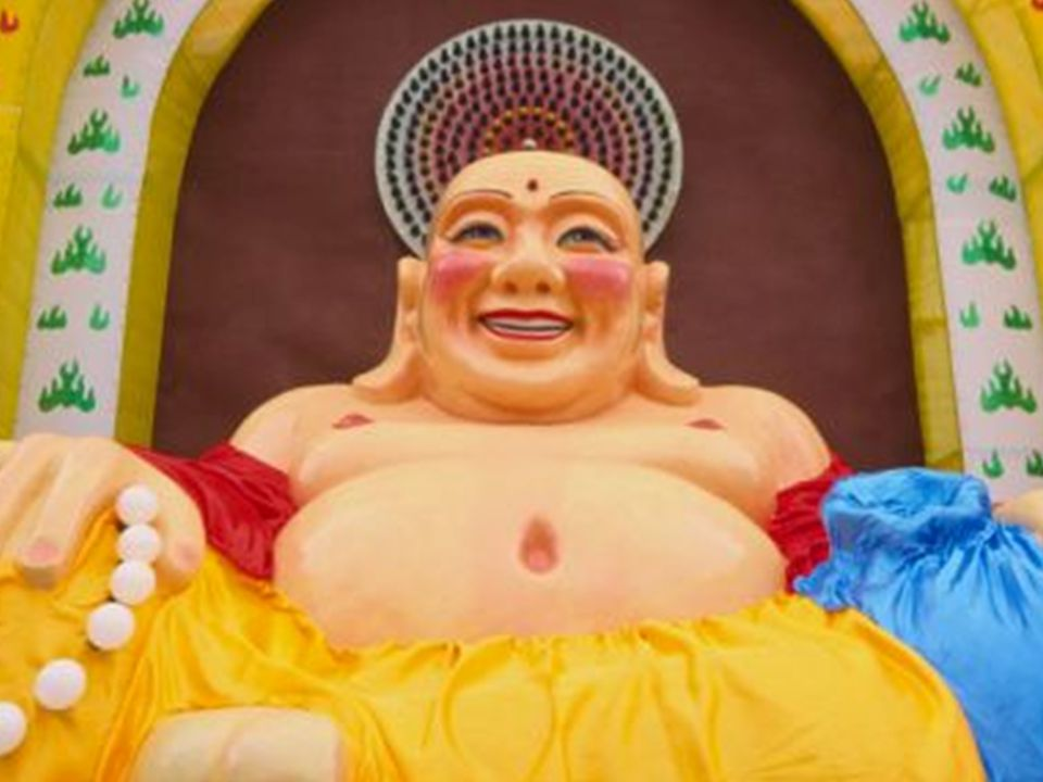 Se você quer um caminho para Deus, não procure o Budismo... Ele o lançará no vazio. Se você quer alguém que perdoe suas falhas, deixando-o livre para