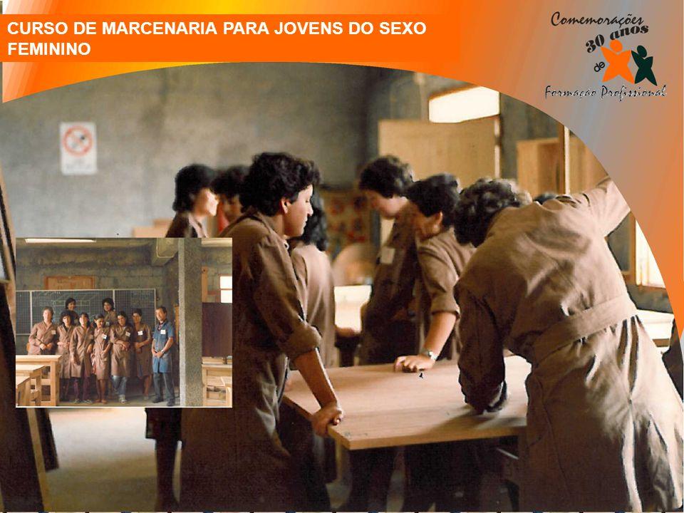 CURSO DE MARCENARIA PARA JOVENS DO SEXO FEMININO