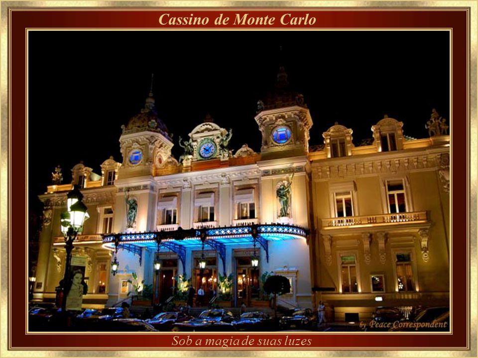Casino de Monte Carlo – detalhe da arquitetura Desenhado por Charles Garnier, que também projetou a Ópera de Paris