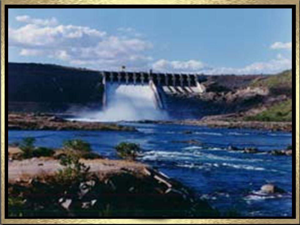 A Hidrelétrica do Xingó é a segunda maior do Brasil, gerando energia para abastecer todo o nordeste e parte de outras regiões brasileiras.