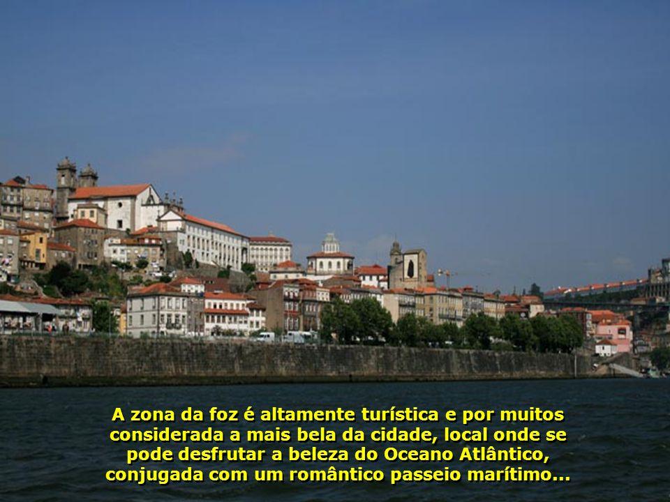 E vamos nós apreciando a beleza da cidade, vista desde o rio. O Porto, com quase 300 mil hab., é uma metrópole numa das regiões mais desenvolvidas de