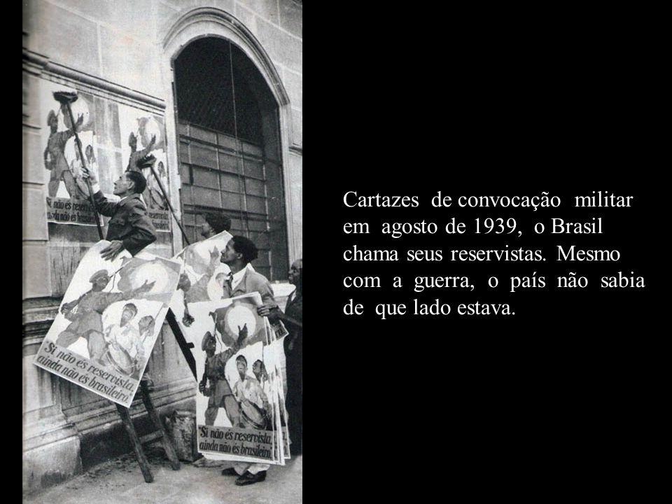 Ari Barroso ao ser proibido de entrar no São Januário (estádio do Vasco) porque havia criticado a diretoria do clube, e de posse de um binóculo, transmite de um telhado próximo o jogo Vasco e Fluminense.