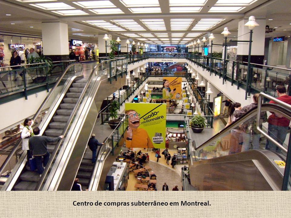 Place du Canada, no centro comercial de Montreal