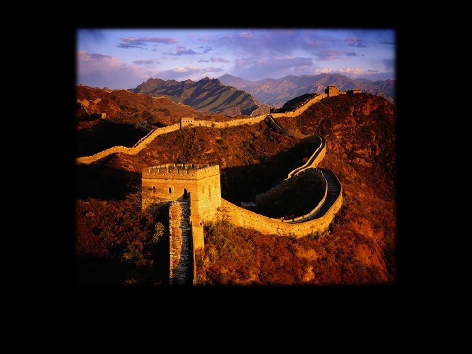 2.Império Chinês Dinastia Han (Século III a.C. ao Século III d.C.) Dinastia Han (Século III a.C.
